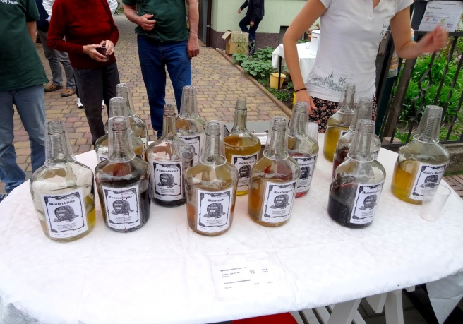 baumbluetenfest_wine.jpg